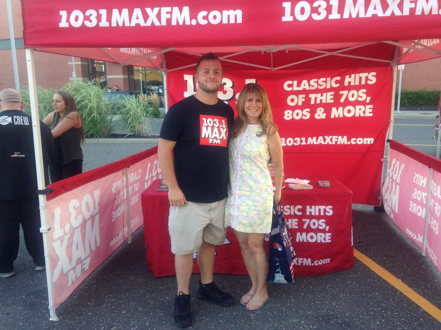 103.1 MAX FM at Smithhaven Concert Series