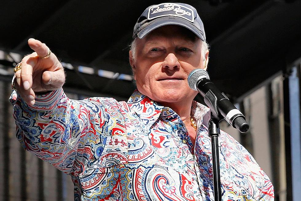 Kara chats with Mike Love of The Beach Boys!