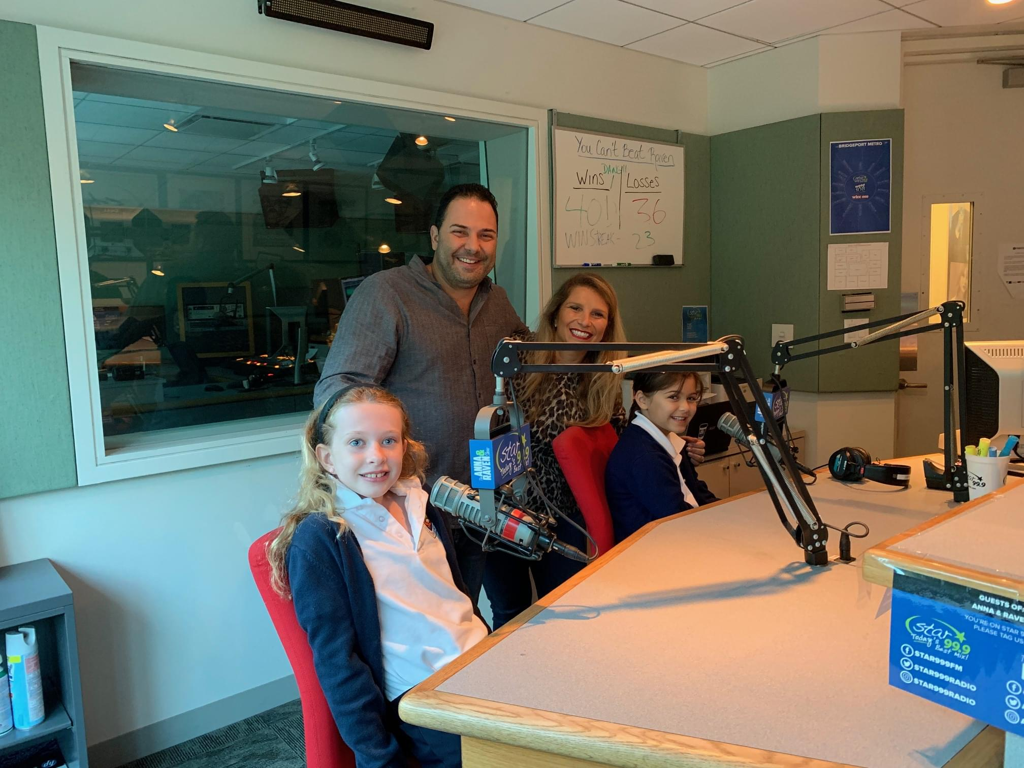 60 Seconds Behind The Scenes- Phoebe and Grace are awesome 8 year olds!