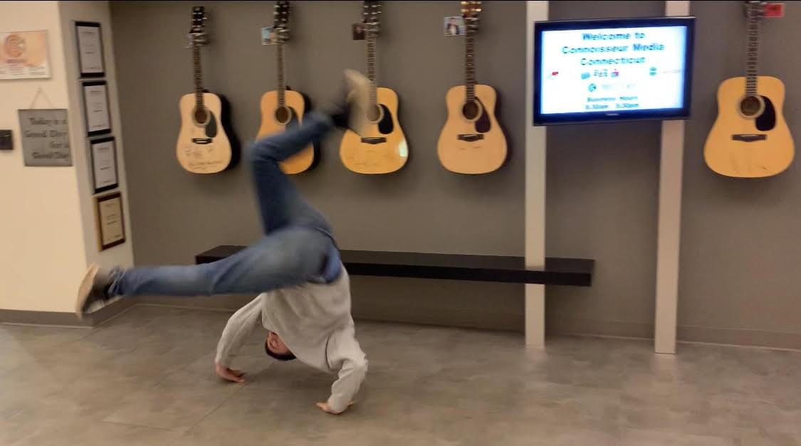 60 Seconds Behind the Scenes- Can Producer Christian do a cartwheel?