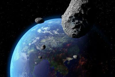 Asteroid Nears Earth