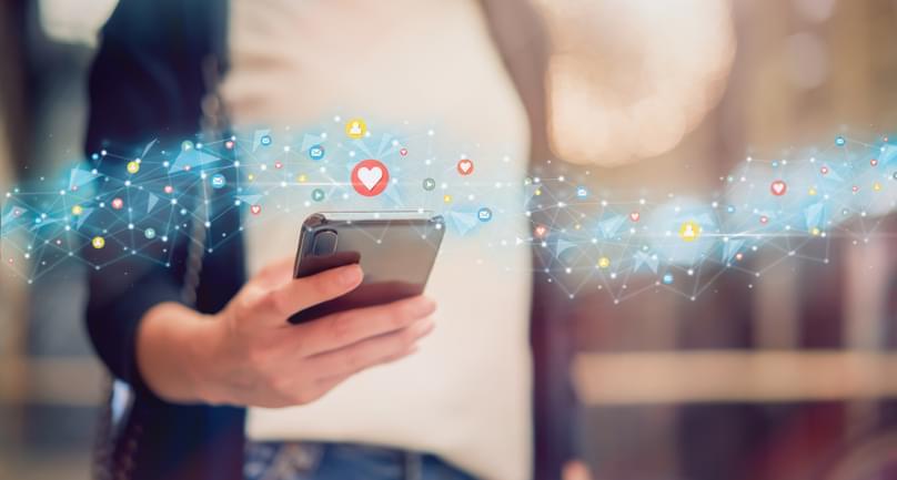 TELL ME SOMETHING GOOD: Group Of Teens Create Groundbreaking New App To Help People With Dementia