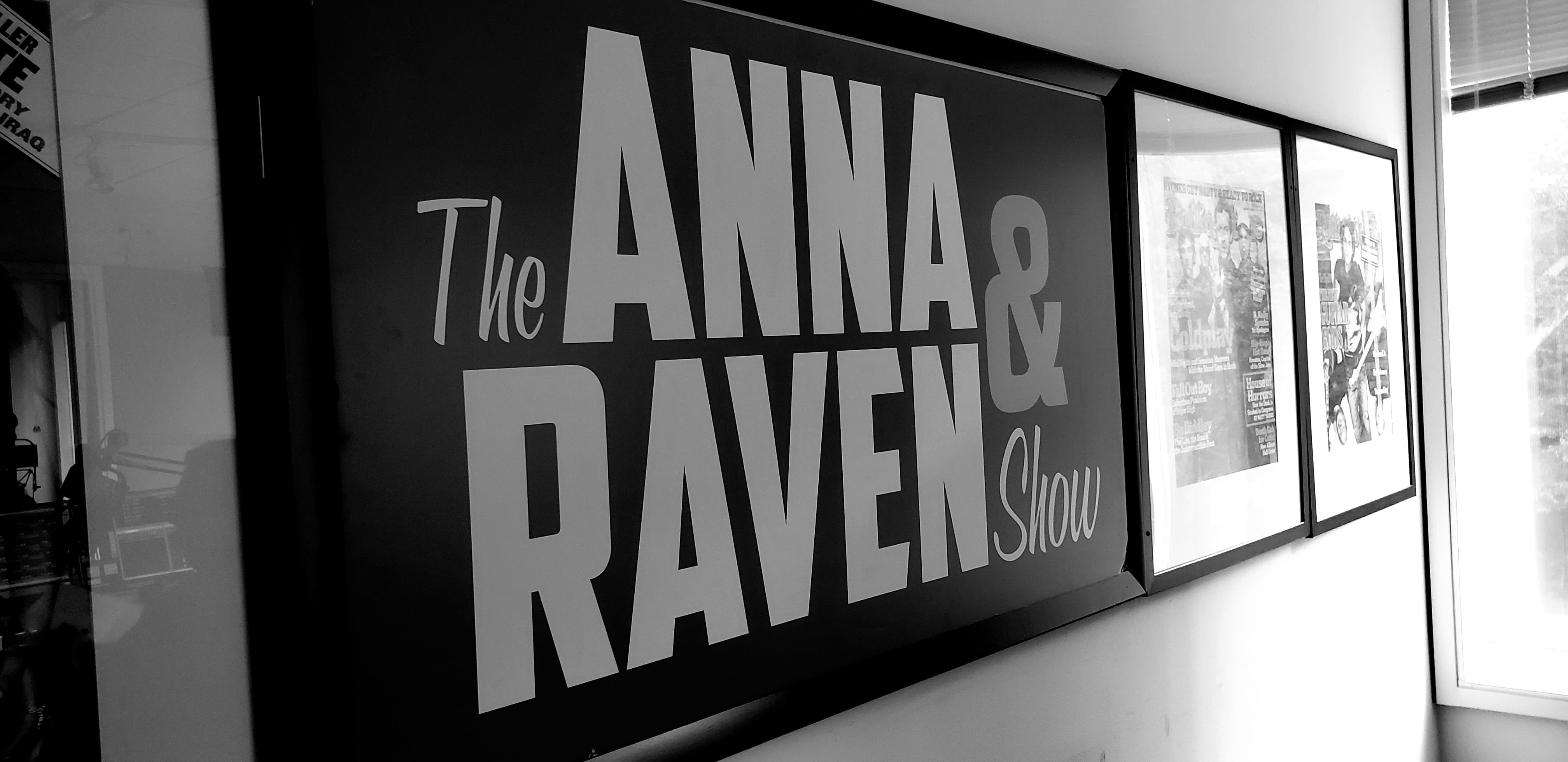 The Anna & Raven Show: Balding, Holiday Cooking Mishaps and Raven loses!