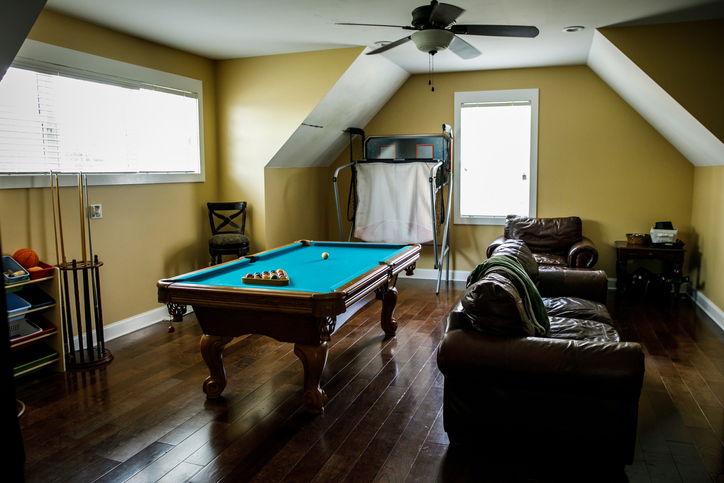 Yellow gold upstairs bonus room with pool table