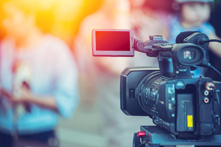 TELL ME SOMETHING GOOD: TV News Crew Saves Stolen Dog While Doing Segment