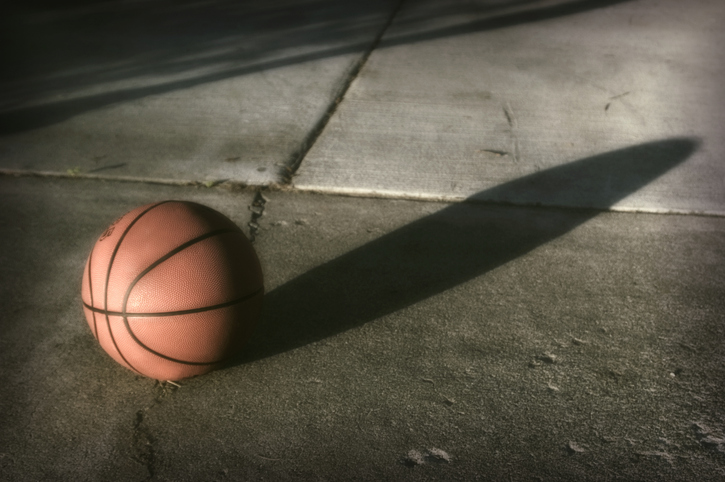 TELL ME SOMETHING GOOD: 14-year-old boy gets one step closer to his basketball dreams thanks to his neighbors