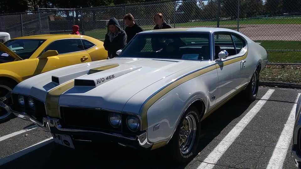 "AJ's ""Badass Friday"" Car of the Day: 1969 Oldsmobile/Hurst Olds 4-4-2"
