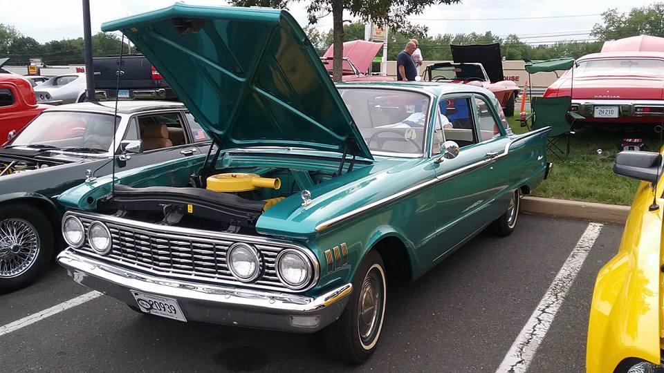 AJ's Car of the Day: 1961 Mercury Comet Sedan