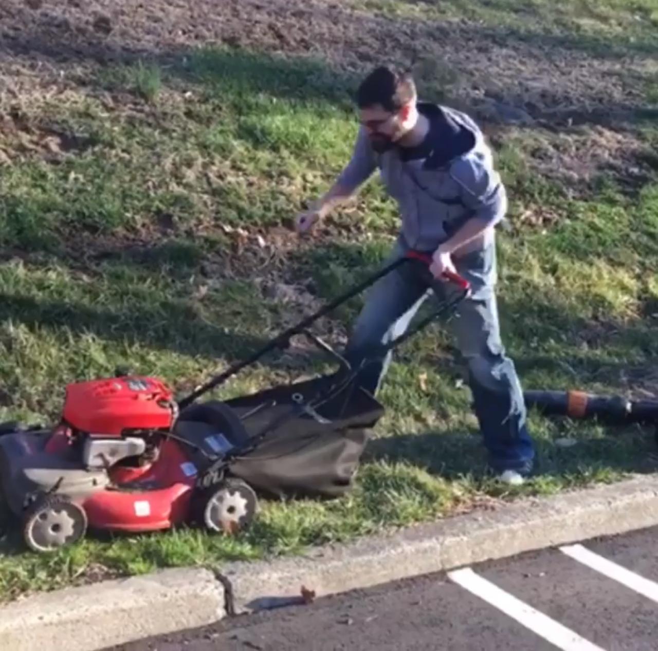 Monday, April 1: Phil STILL Hasn't Mowed A Lawn! Plus Court Audio And Tournament Talk