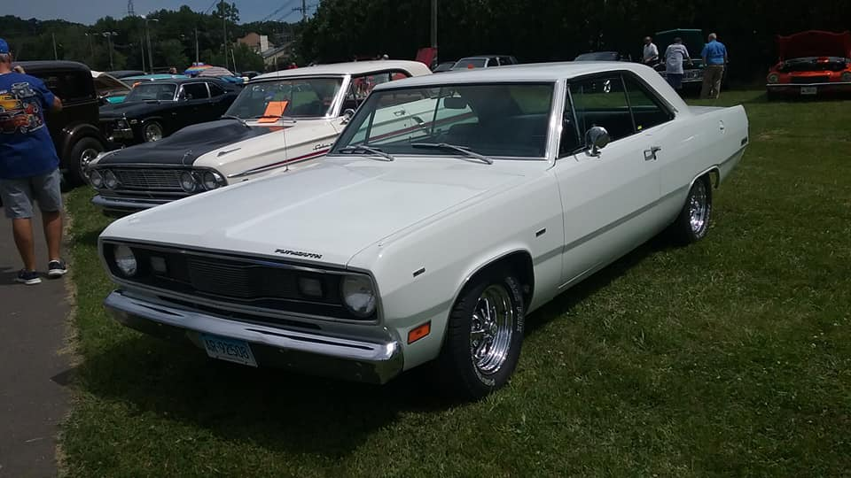 AJ's Car of the Day: 1971 Plymouth Valiant Scamp