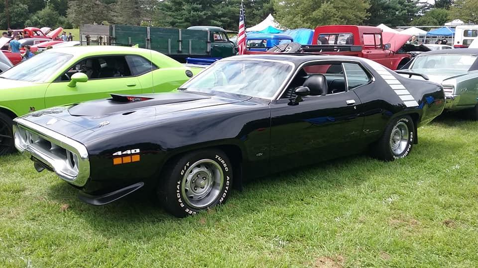 """AJ's """"Badass Friday"""" Car of the Day: 1972 Plymouth Road Runner/GTX 440 Coupe"""