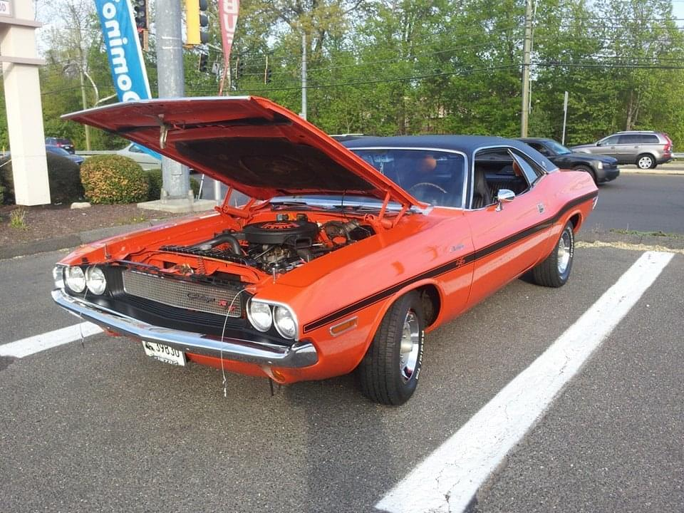 """AJ's """"Badass Friday"""" Car of the Day: 1970 Dodge Challenger 383 Magnum R/T Hardtop Coupe"""