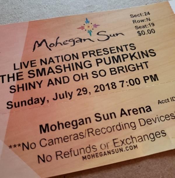Throwback Concert: The Smashing Pumpkins at Mohegan Sun Arena 2018