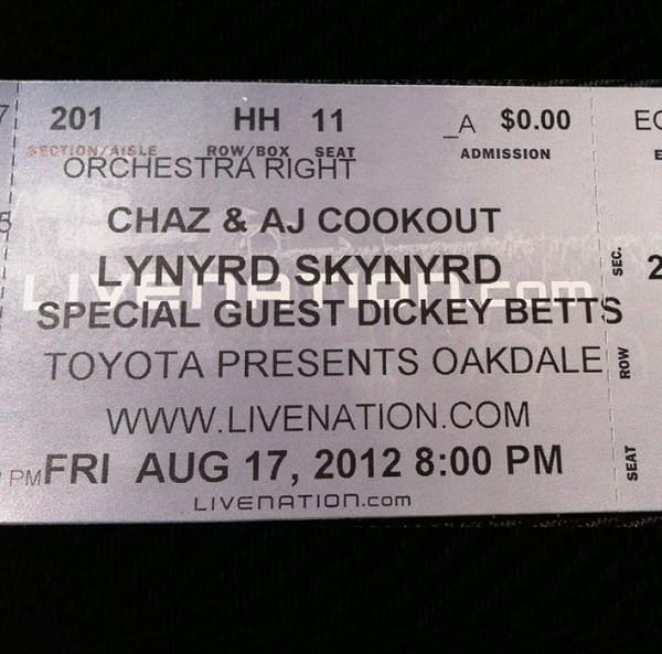Throwback Concert: Lynyrd Skynyrd at Toyota Oakdale Theatre 2012