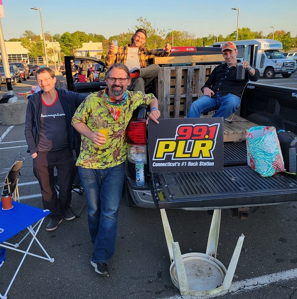 Photos: Drive In Concerts – Creamery Station and Last Child