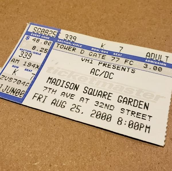 Throwback Concert: AC/DC at Madison Square Garden 2000