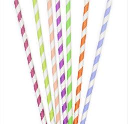 WEBE Morning Hack: Straw Necklace Holder