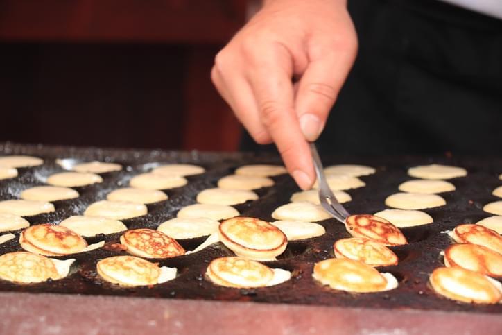 Morning Hack 2/28/2020 Mini Pancake Lollipops!