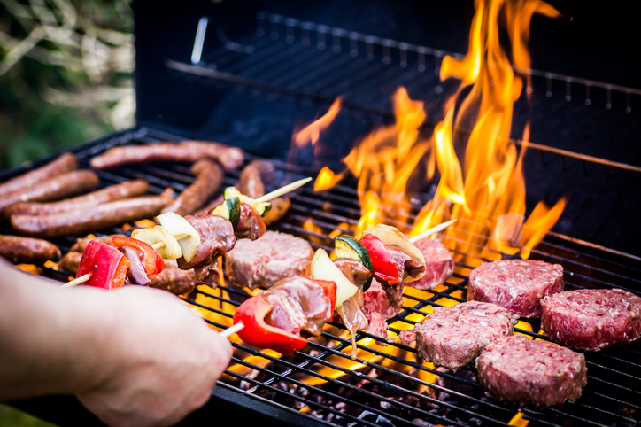 WEBE Wellness: Staying Healthy At A Holiday Barbecue