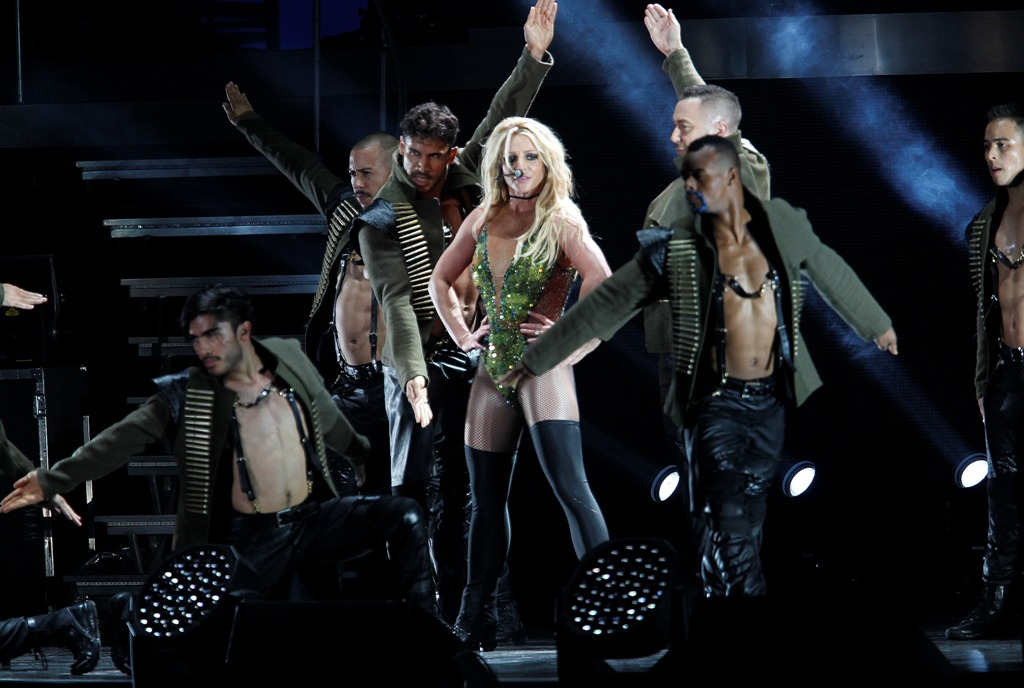 PIC: Britney's Engagement Ring!?