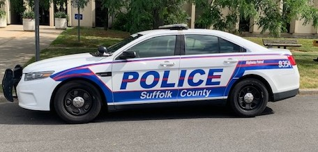 Mt. Sinai man dies in Smithtown crash