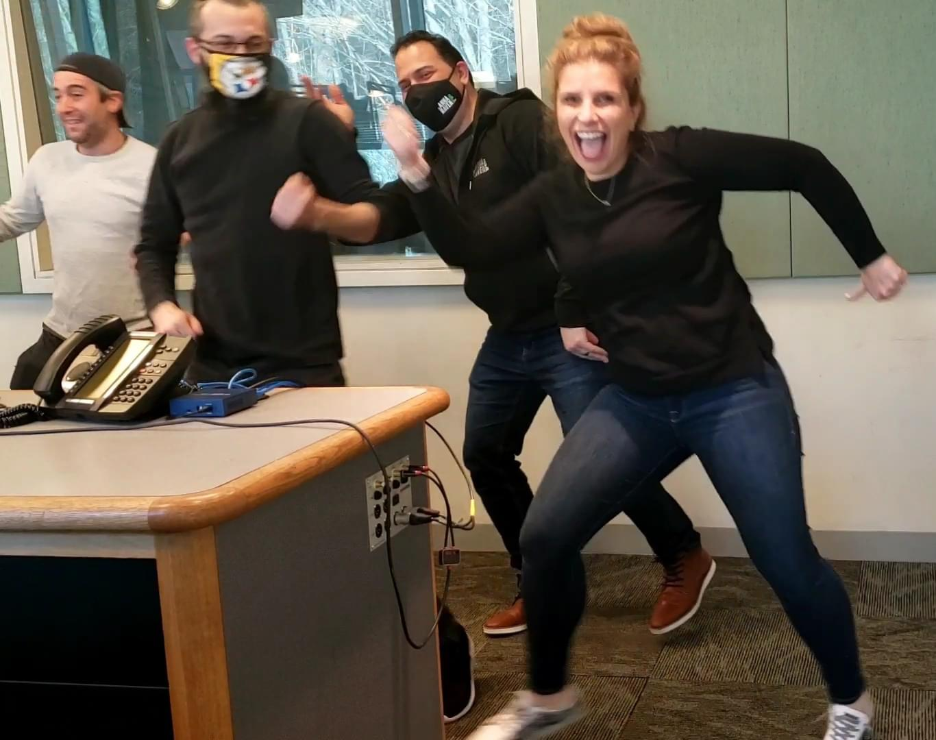 The Anna & Raven Show Does Zumba!