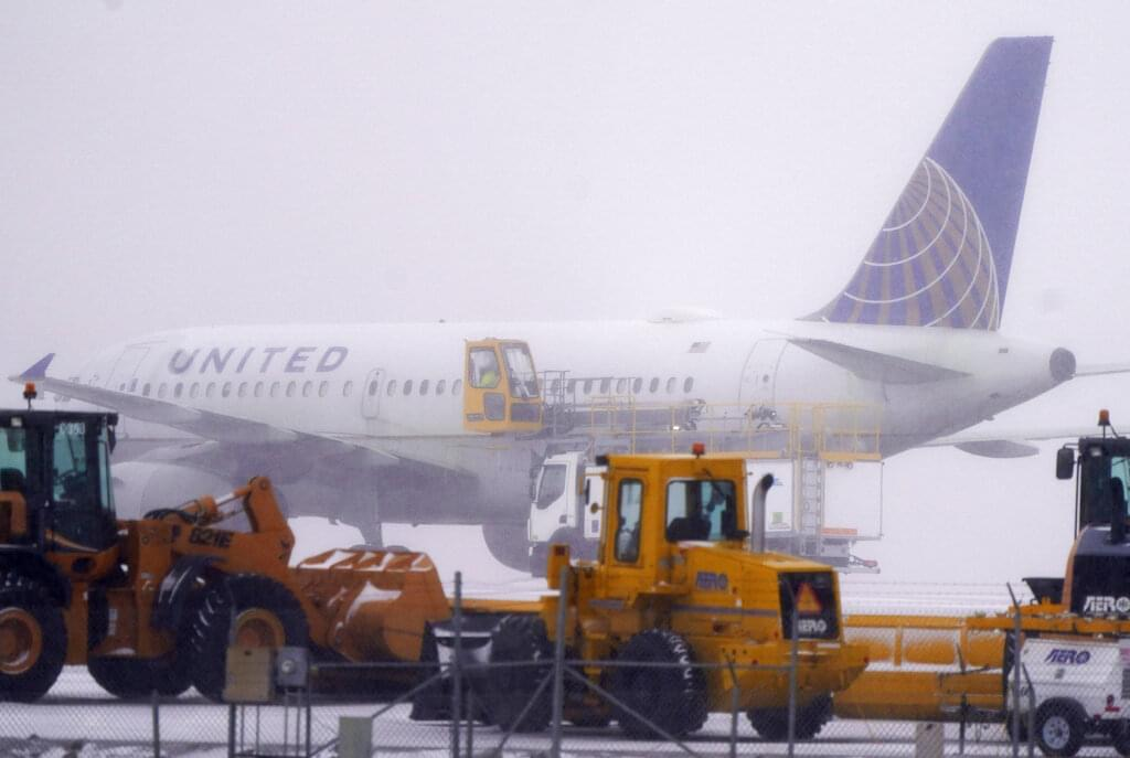FAA orders United Airlines to inspect all Boeing 777's