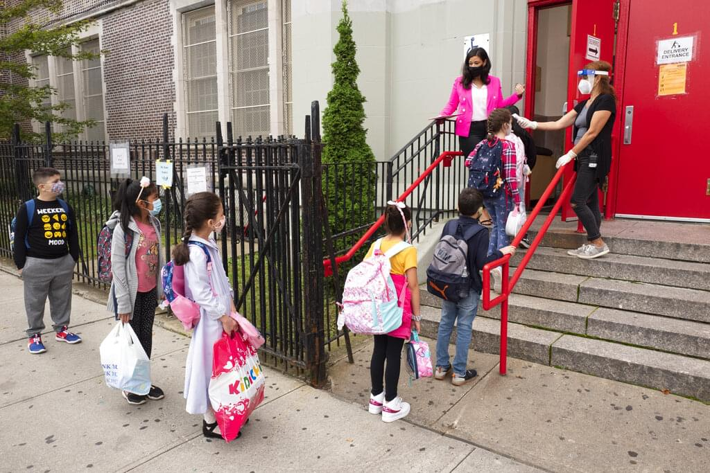 NYC resumes in class instruction for thousands of middle school students