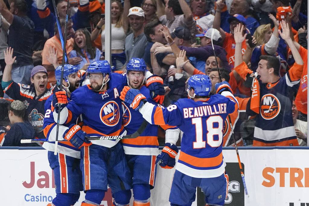 Islanders advance to the Stanley Cup semifinals