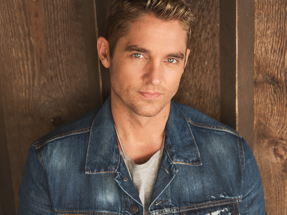 """Brett Young Reaches Platinum Milestone With """"In Case You Didn't Know"""""""