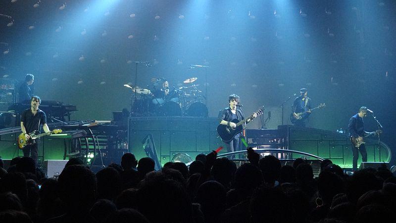800px-2013-03-23_concert_indochine_-_brest_5