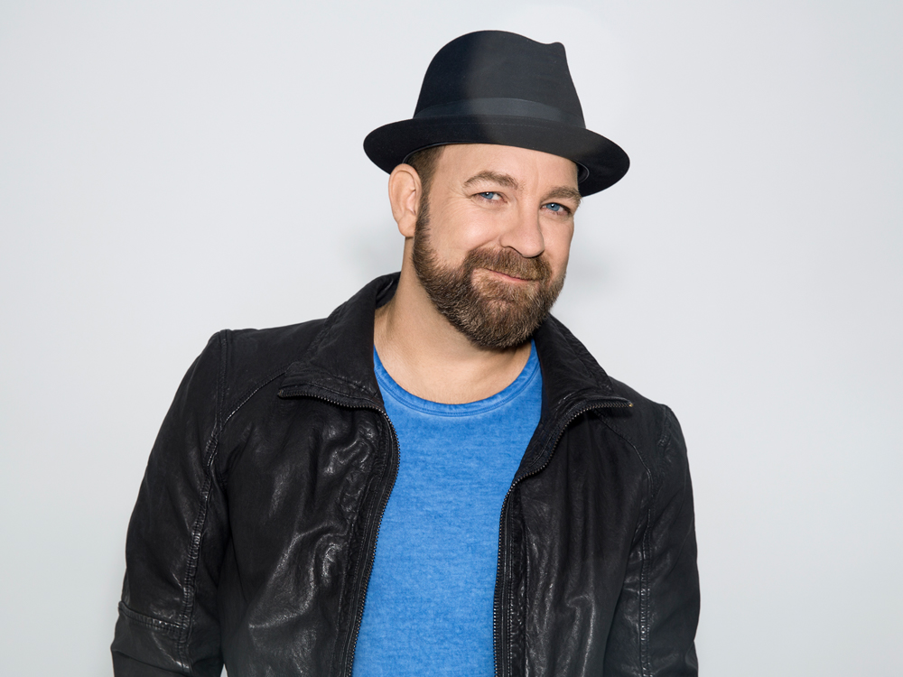"What's New? Kristian Bush Talks New Musical, ""Troubadour,"" New Single, ""Sing Along,"" and Producing Lindsay Ell's New Album"
