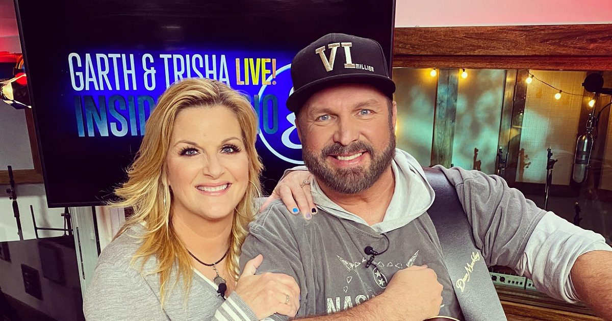 Garth Brooks & Trisha Yearwood Chat with tWitch on The Ellen Show