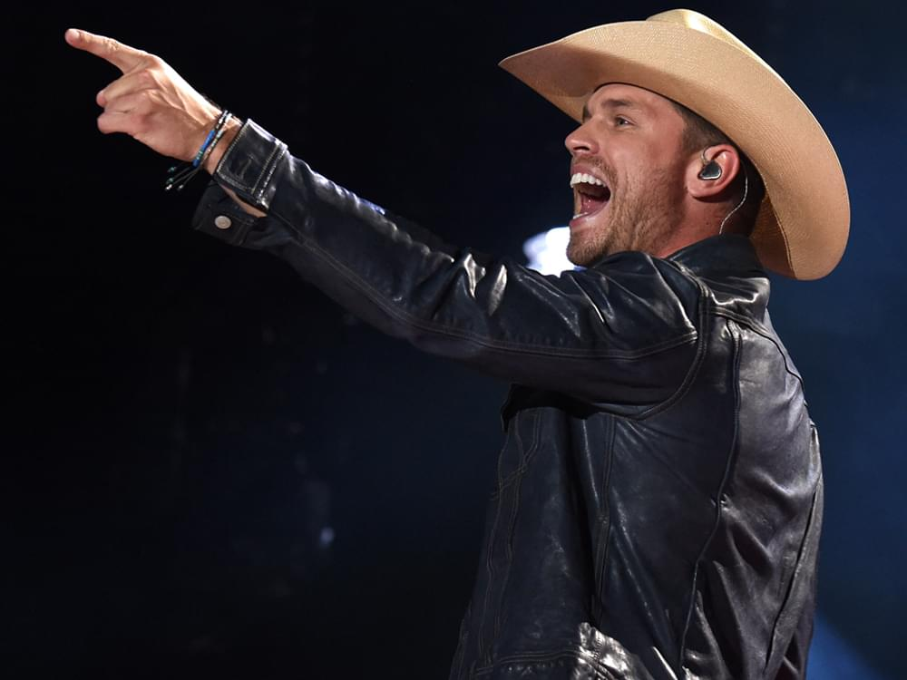 "Dustin Lynch Scores 7th No. 1 Single With ""Ridin' Roads"""