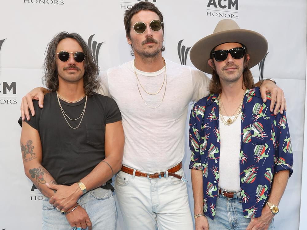 "Midland Releases New 5-Song Acoustic EP, ""Guitars, Couches, Etc., Etc."" [Listen to ""Drinkin' Problem""]"
