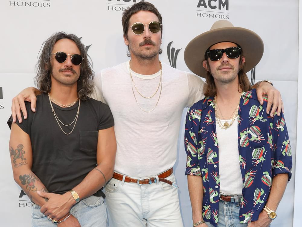 "Midland Debuts at No. 1 on Billboard's Top Country Albums Chart With ""Let It Roll"""