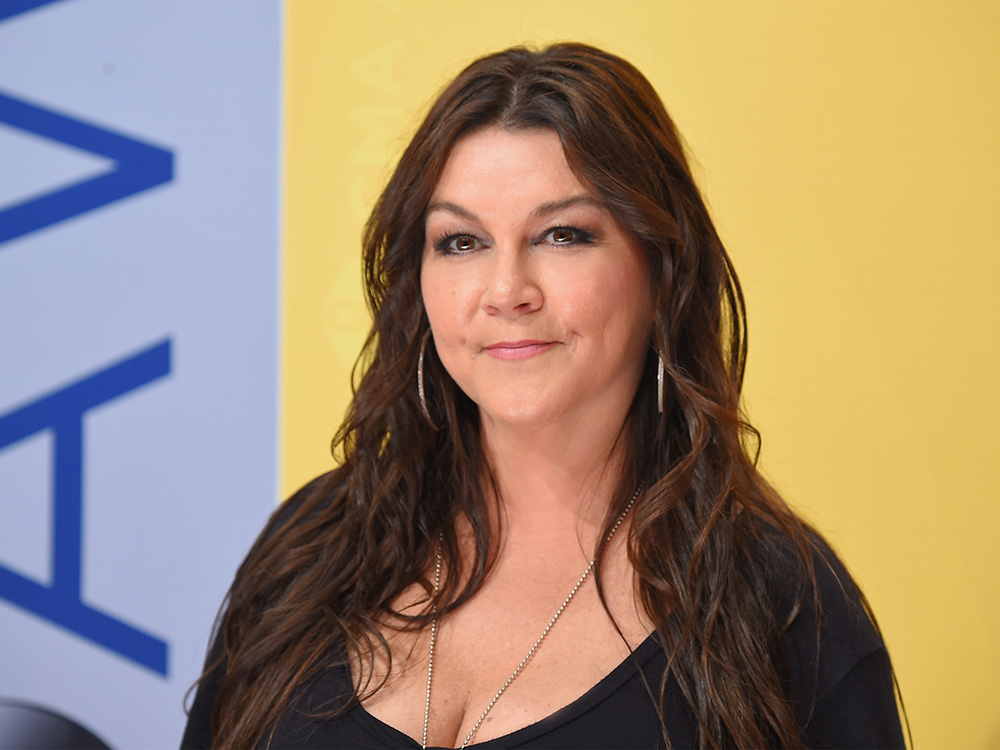 "Gretchen Wilson Plans Her Comeback With ""Rowdy"" New Single"