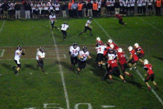 Streaking Pekin Plays At Metamora In Super Nutrition Red Zone GOW