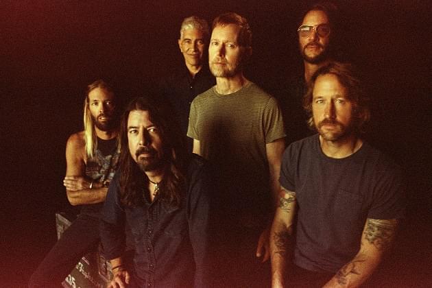 """Foo Fighters Rock SNL , Unleash New Single """"Shame Shame"""""""