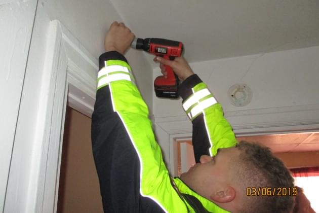 Peoria Fire Department Installing Smoke Detectors And Carbon Monoxide Alarms For Residents