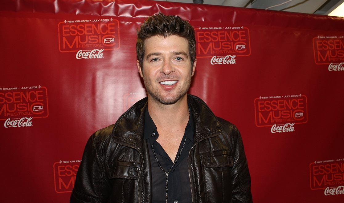ROBIN THICKE, GIRLFRIEND EXPECTING A BABY