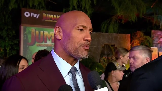 DWAYNE 'THE ROCK' JOHNSON AND GIRLFRIEND ARE HAVING A GIRL!