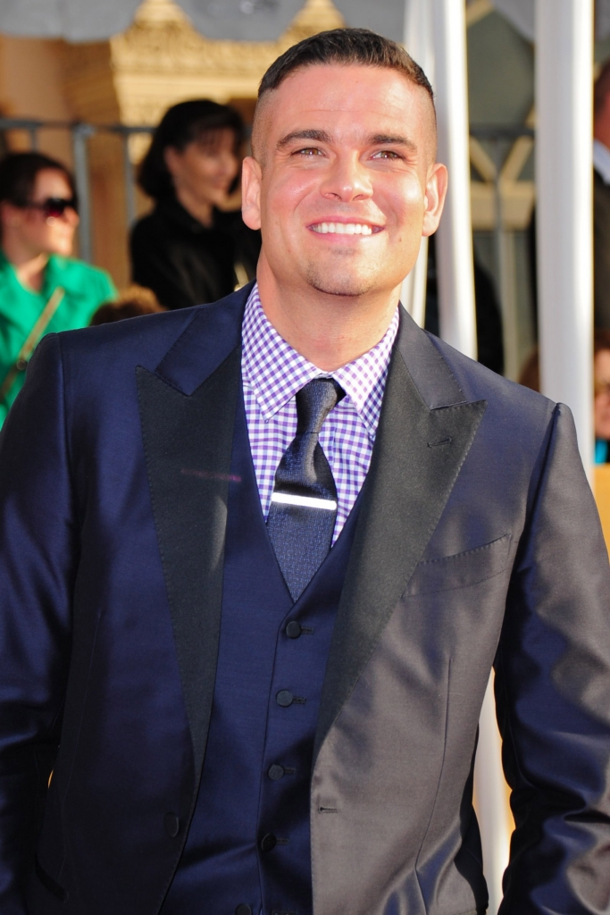 MARK SALLING, GLEE ACTOR, DEAD AT 35   wdvd-fm