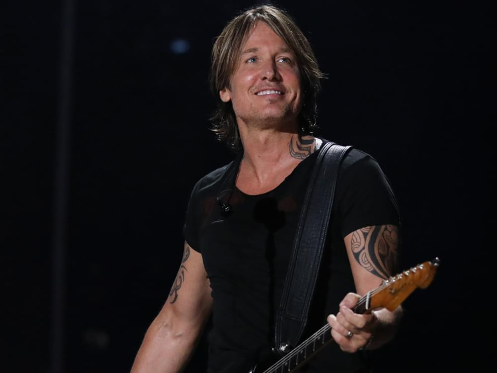 """Watch Keith Urban Cover Kenny Rogers' """"The Gambler"""" & More During Instagram Concert, """"Urban Underground"""""""