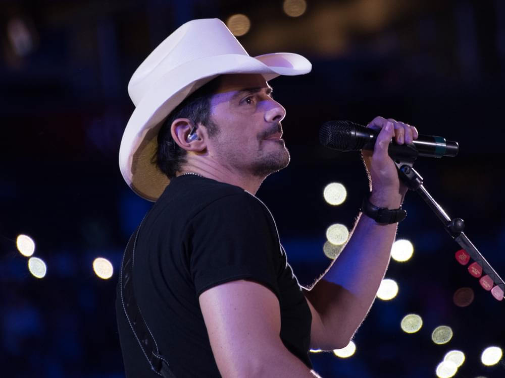 "Brad Paisley Announces ""2020 World Tour"""