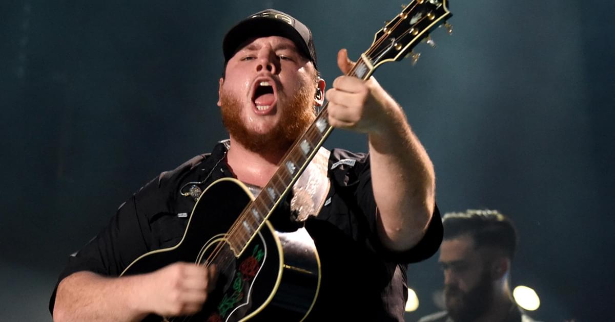 Luke Combs to Perform at 2020 Billboard Music Awards