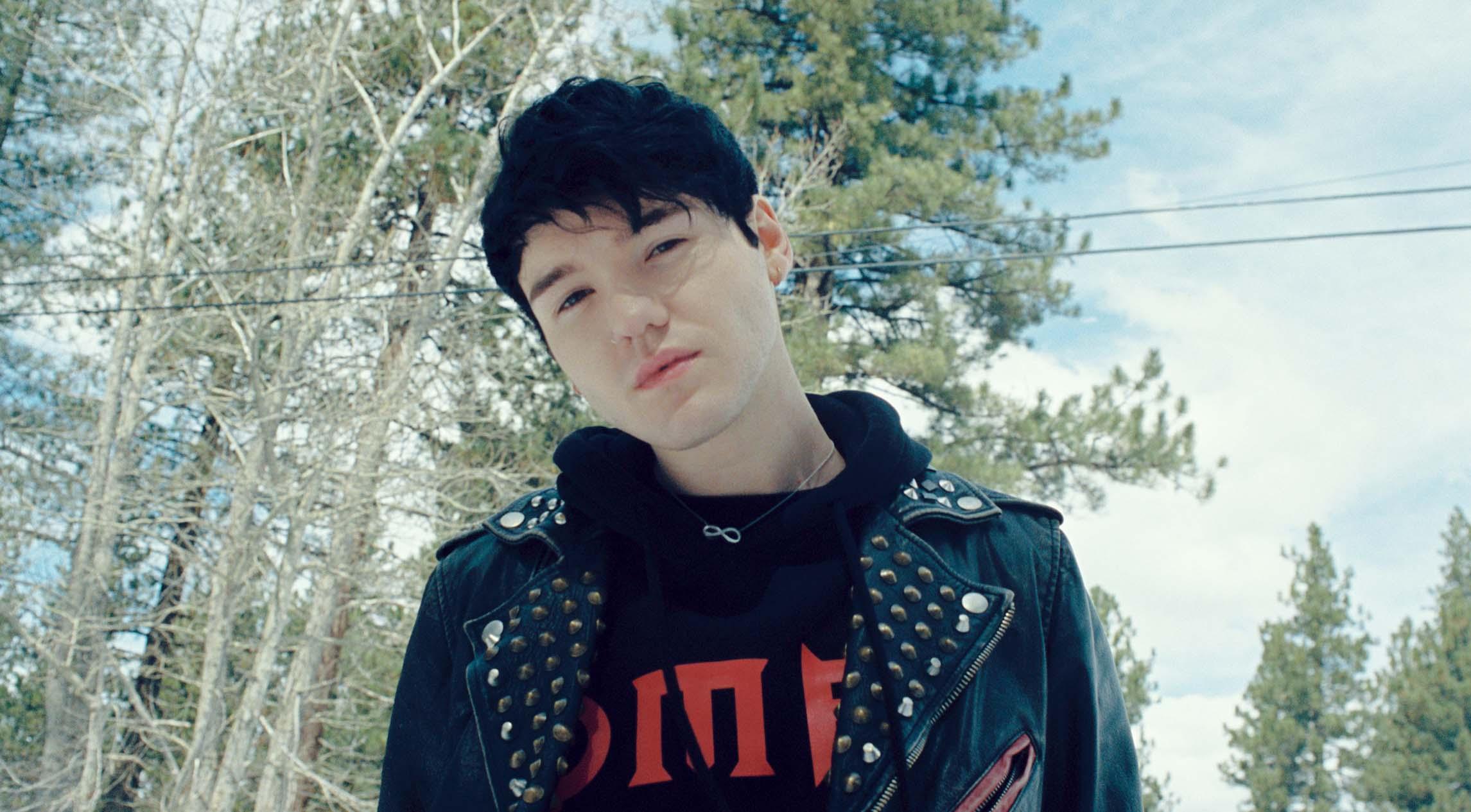 "The Drop: Goody Grace ""Scumbag"" featuring Blink 182"