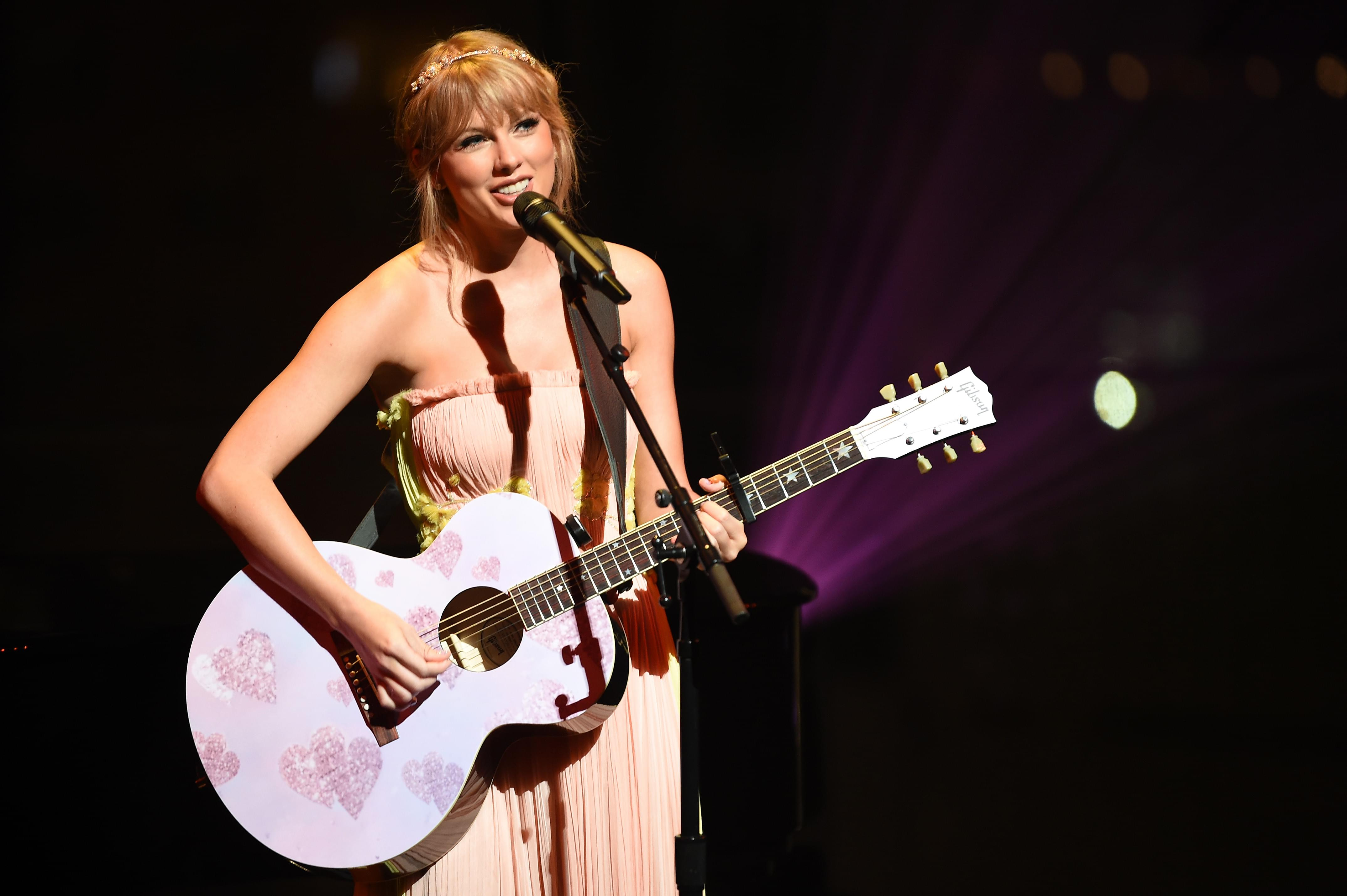 WATCH: Taylor Swift Performs Song She Once Said She'd Never Play
