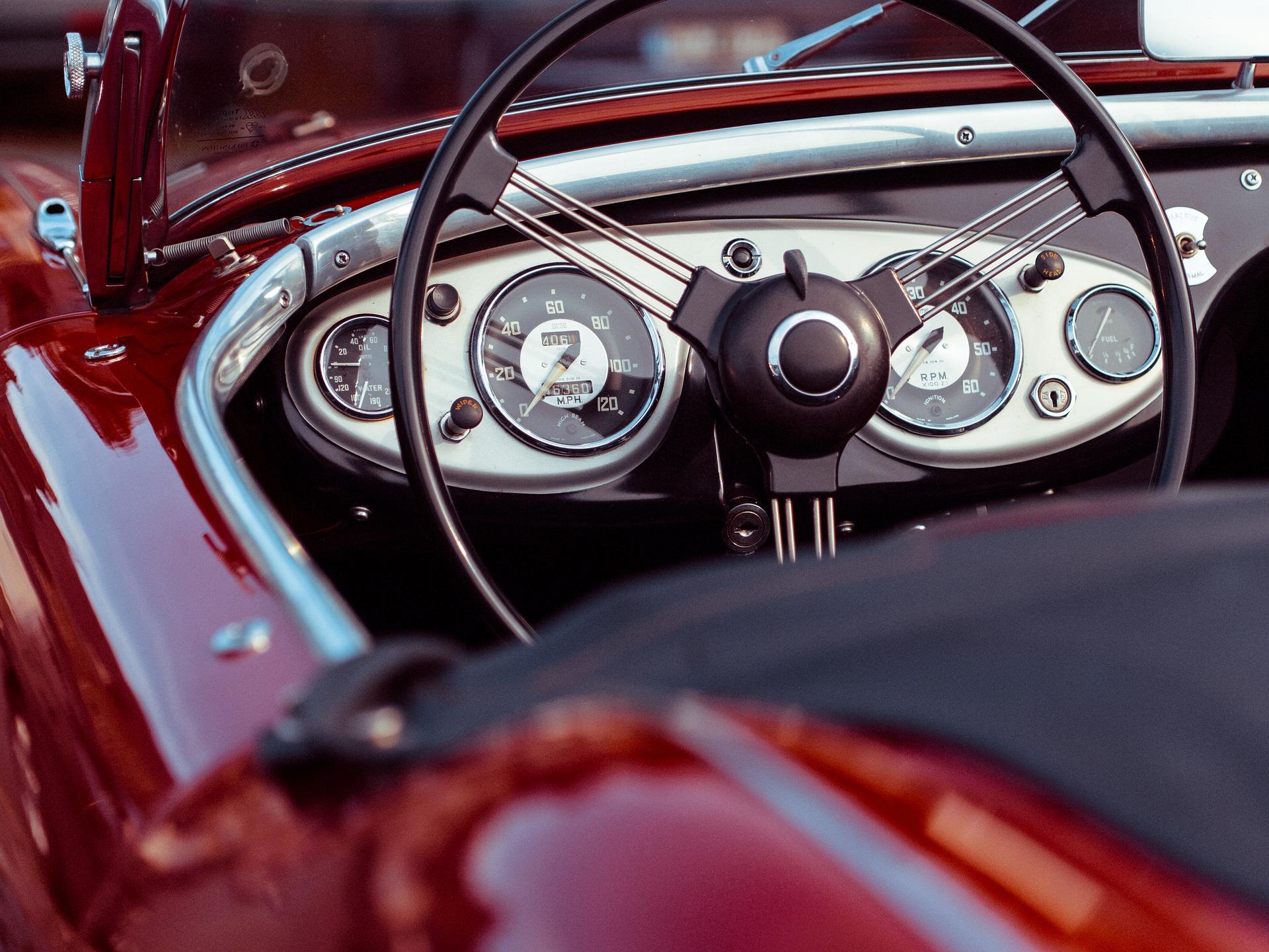 car-1544342_1920