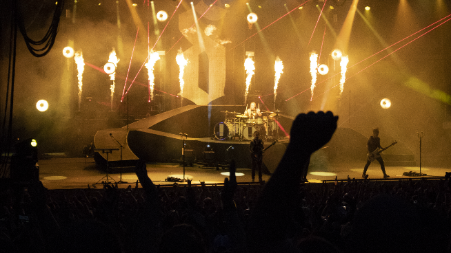 Shinedown and Godsmack Set Fire to Bonner Springs